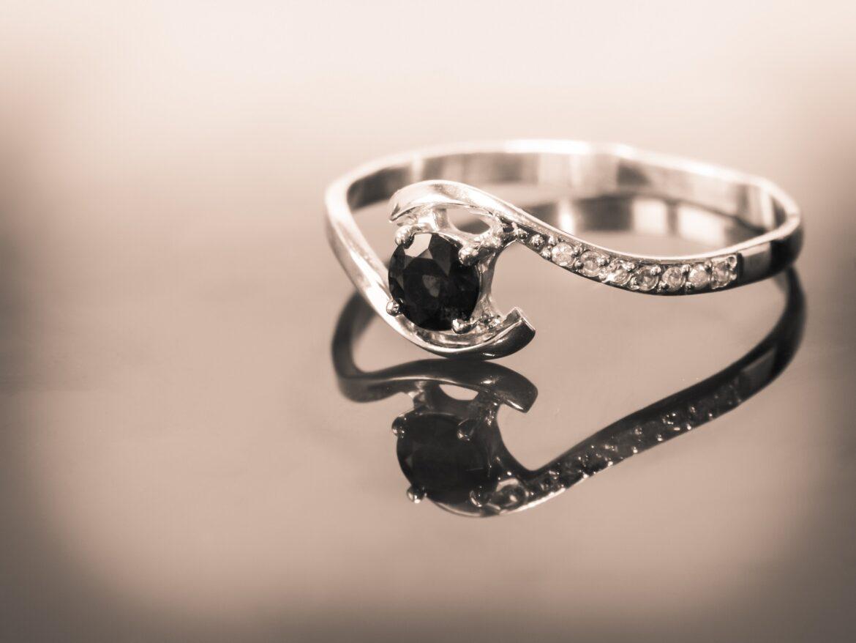Varieties of Black Diamond Engagement Rings