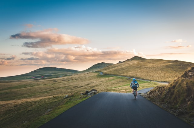 How to Travel On a Bike: The Ultimate Guide